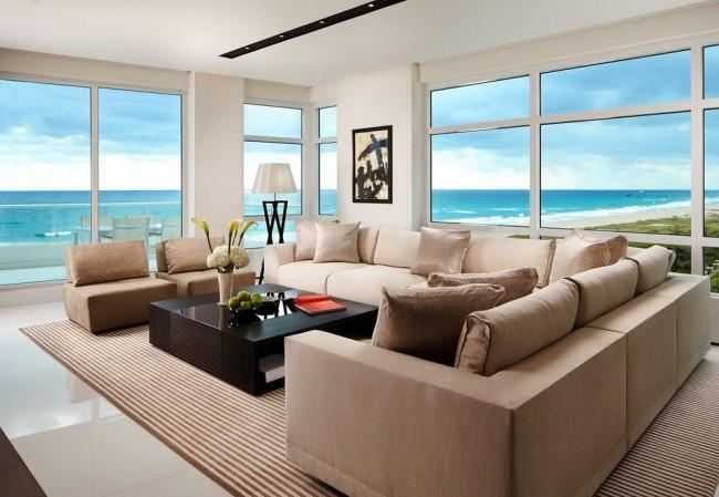 Salon confortable avec vue imprenable sur l'océan
