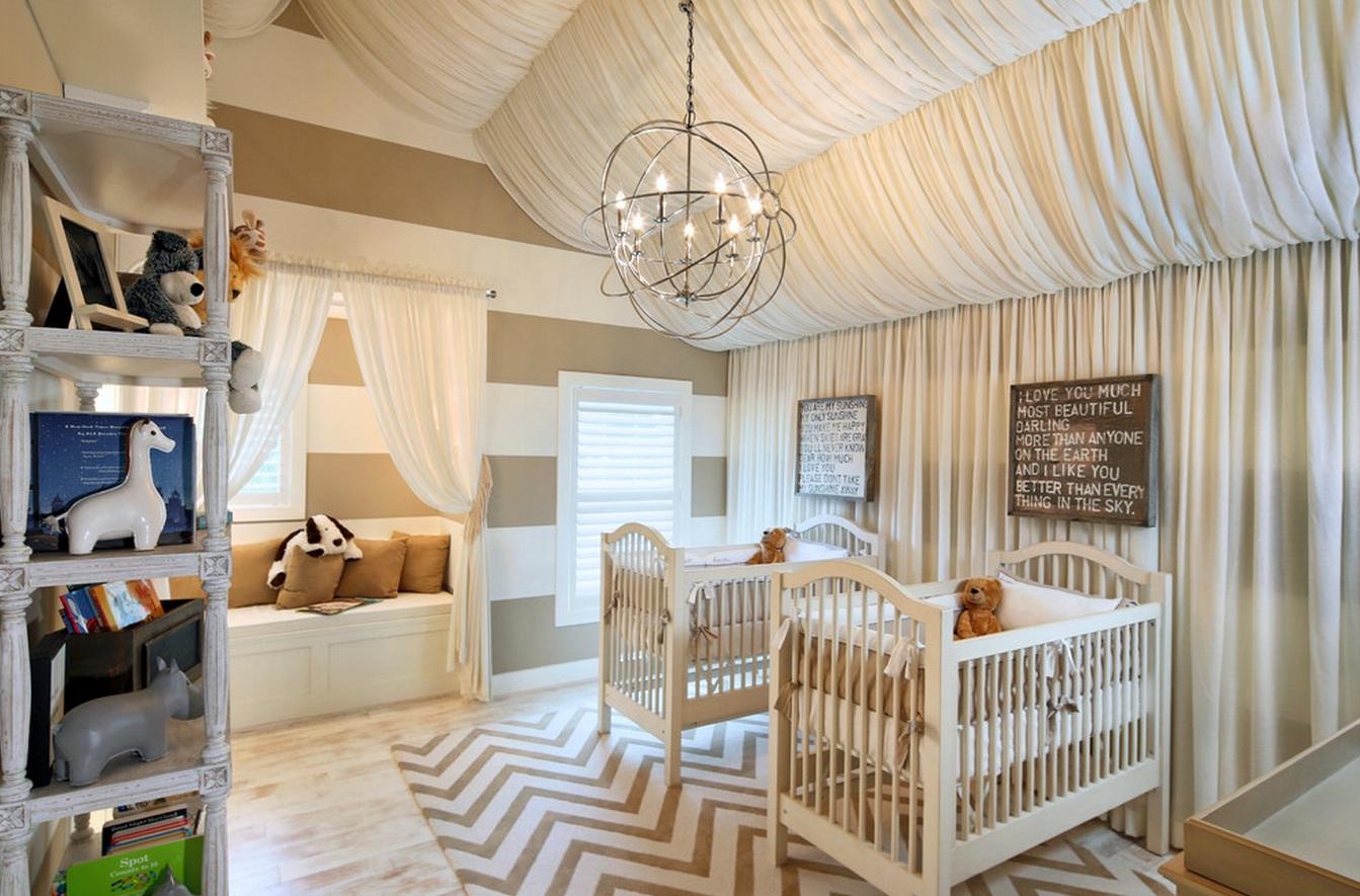 Vous pouvez créer un magnifique auvent ondulé avec un tissu léger - ce plafond créera une atmosphère magique pour votre bébé.