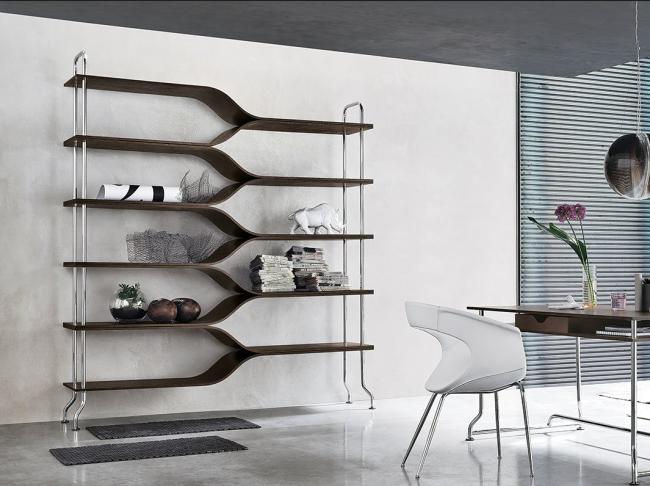 Modèle design en bois foncé