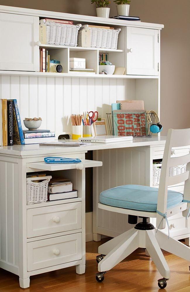 Une abondance de diverses étagères et tiroirs accueillera toutes les fournitures dont vous avez besoin pour la formation