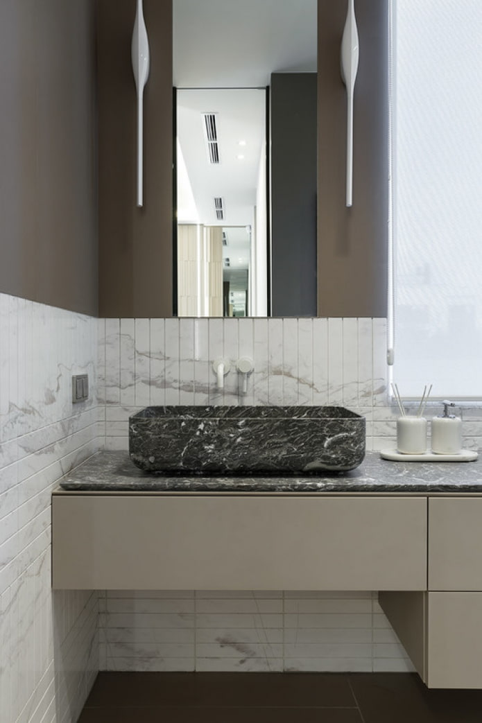 combinaison de marbre clair et foncé