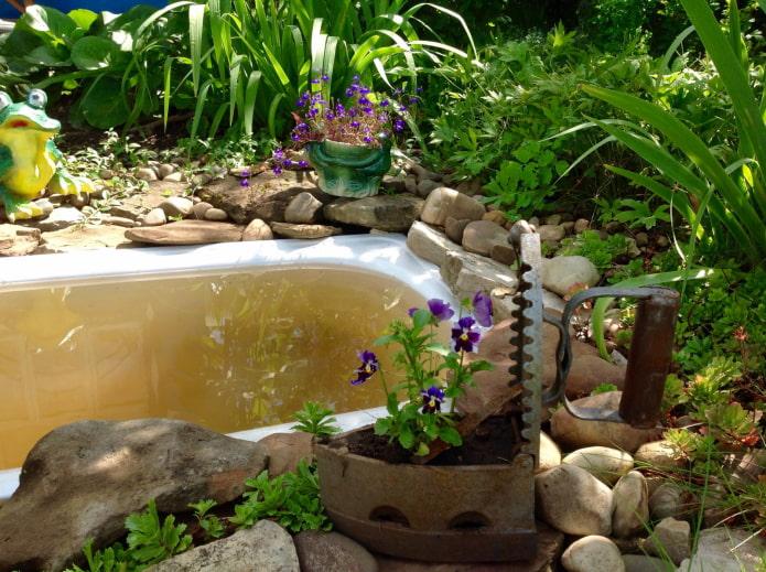 Ancien bassin de bain