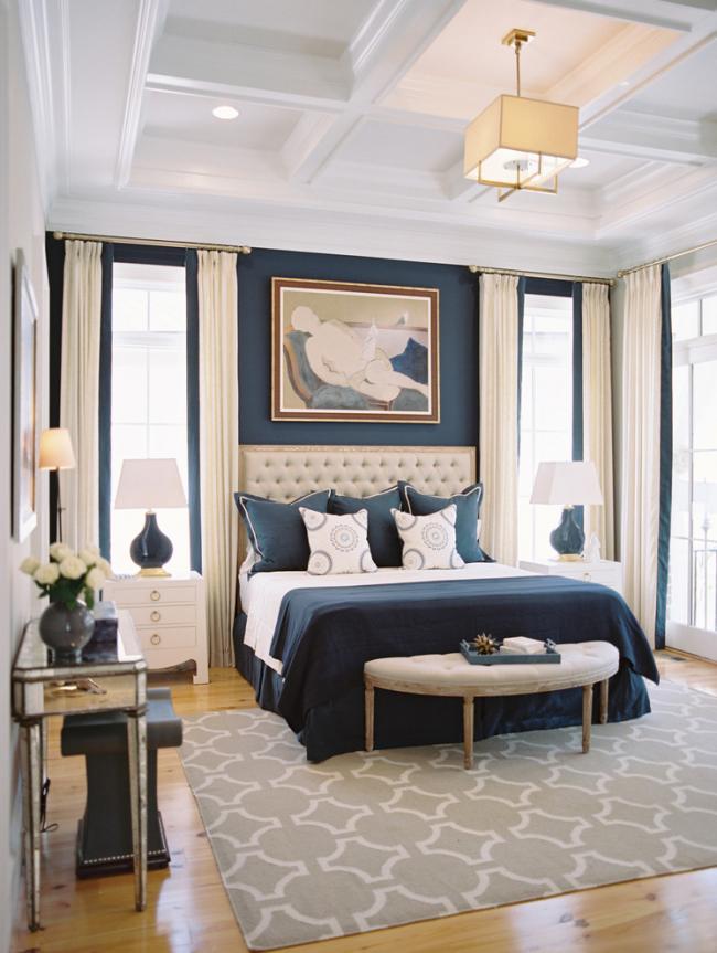 Intérieur de chambre à coucher spacieux classique