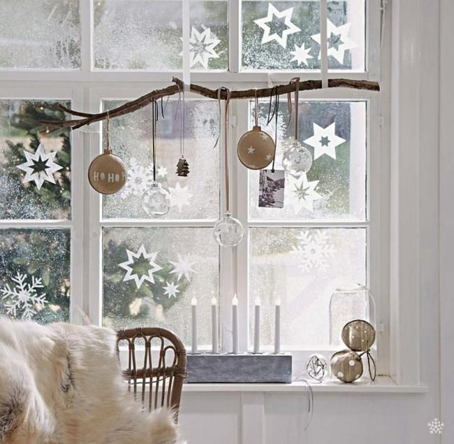 Les flocons de neige sont un attribut essentiel des vacances d'hiver