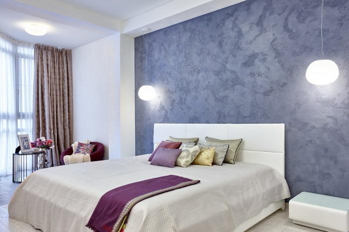 Plâtre décoratif à la tête de lit