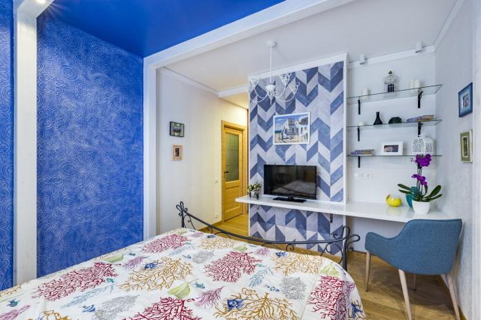 plafond et mur bleus