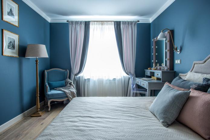rideaux dans la chambre