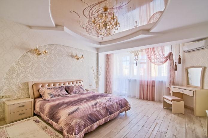 plafond blanc et beige