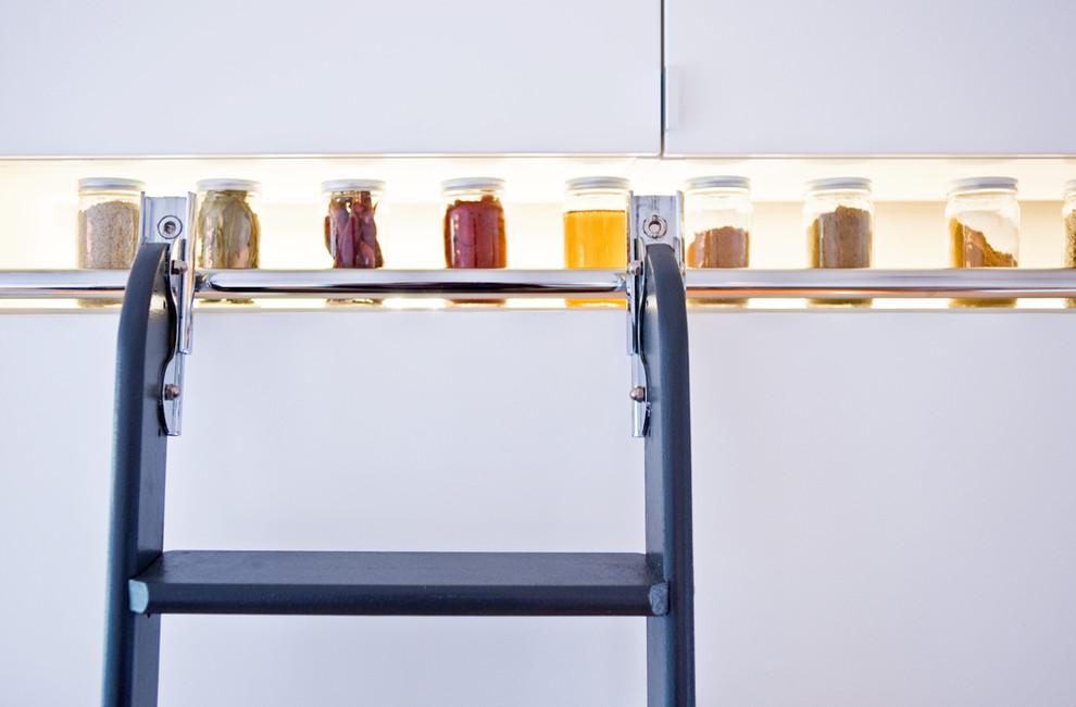 Option de stockage d'épices élégante pour les cuisines modernes