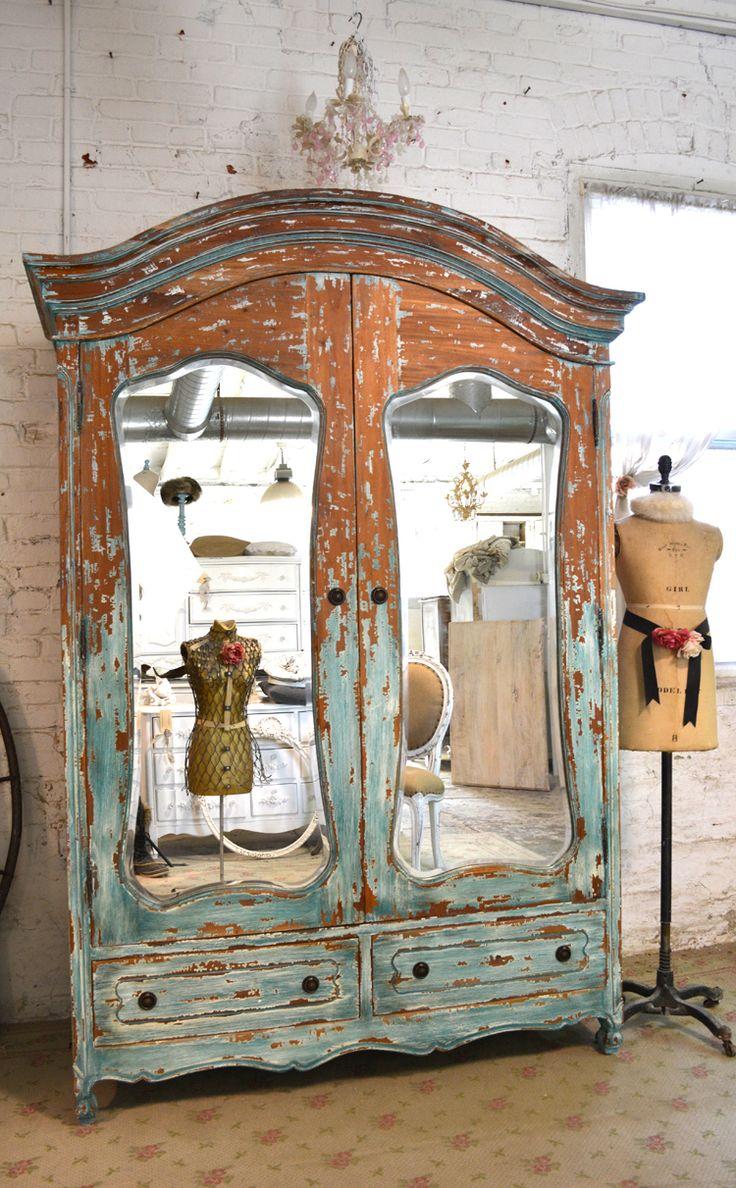 Façades d'armoires vieillies - pour les amateurs de choses rétro