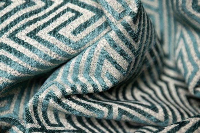 chenille de meuble avec un motif