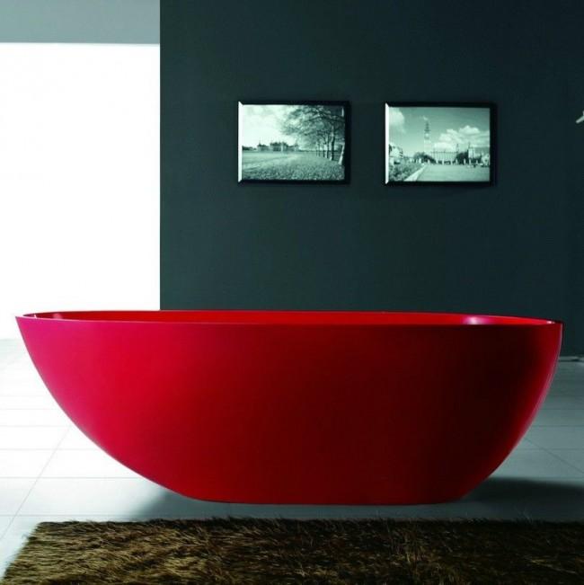 Baignoire en acrylique rouge - très impressionnante