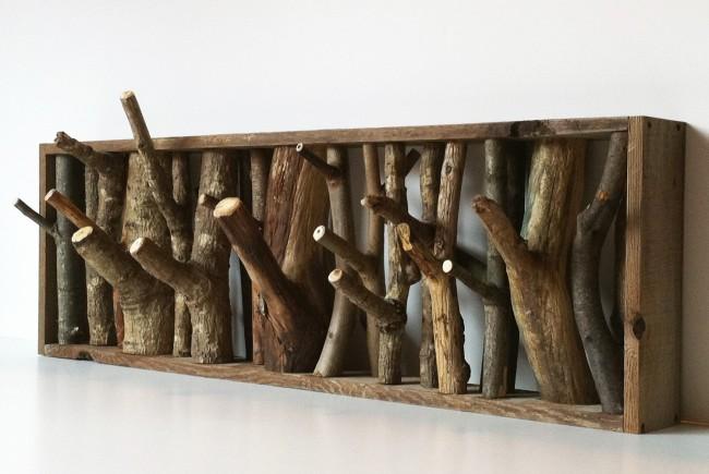 Si vous voulez que le cintre serve non seulement d'objet utilitaire de l'intérieur, mais aussi pour le décorer, achetez le modèle original
