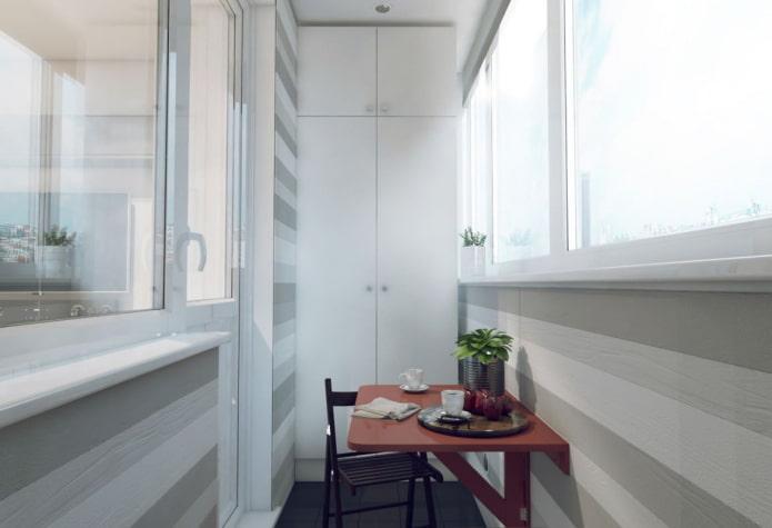 aménagement d'un balcon dans un appartement à Khrouchtchev