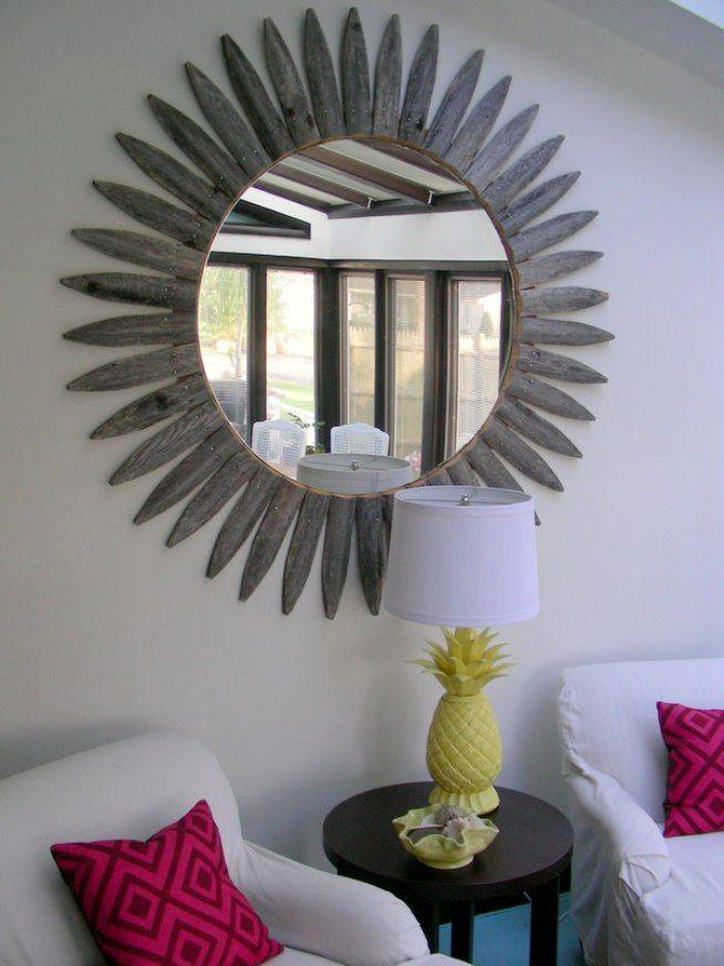 Pour la fabrication du cadre du miroir, des chevilles en bois sont utilisées