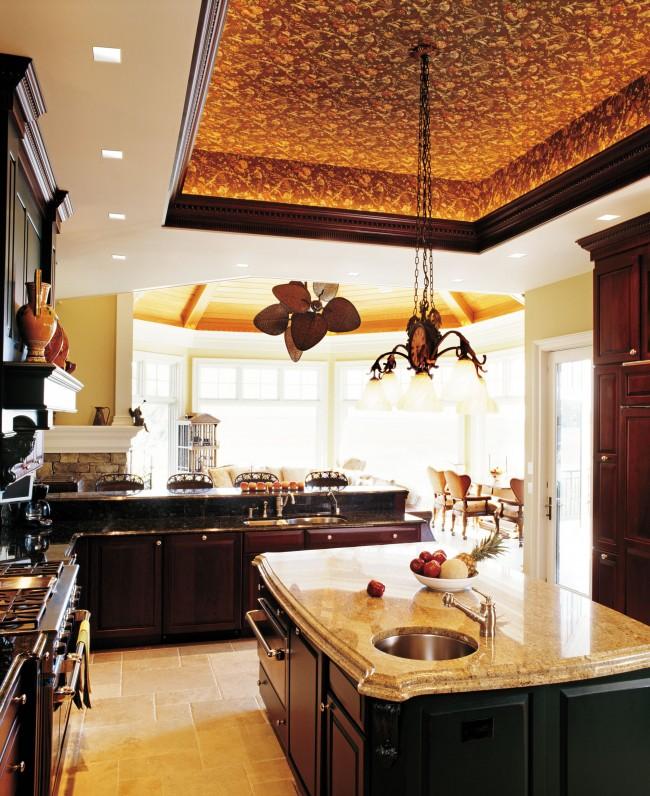 La finition du plafond prend beaucoup plus de temps et d'efforts que les murs ou le sol
