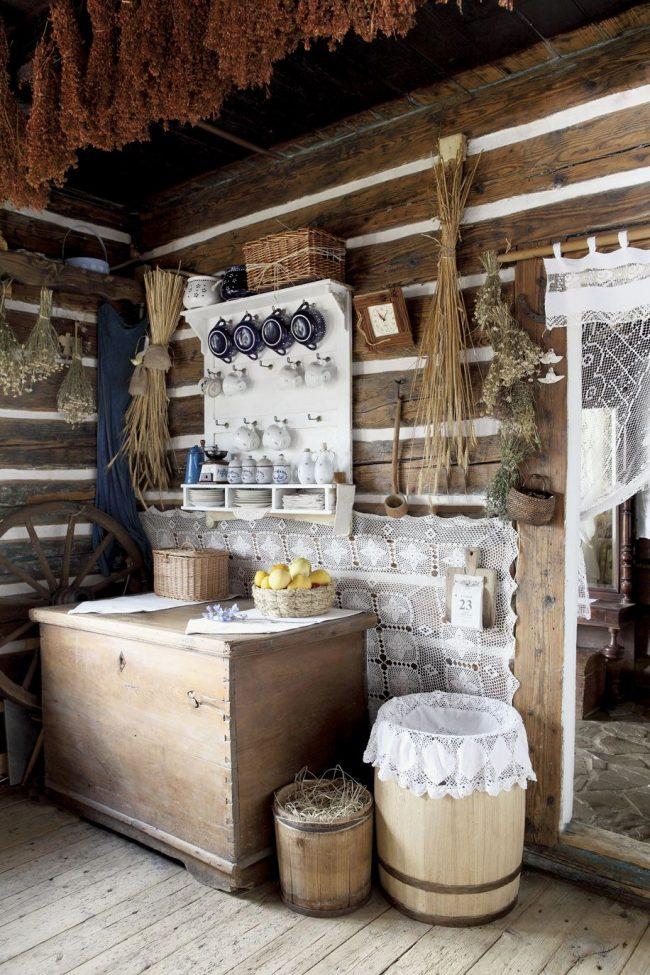 Éléments du décor d'une maison de campagne : murs comme des