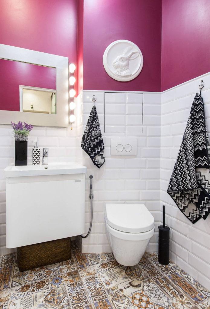 Toilettes en angle