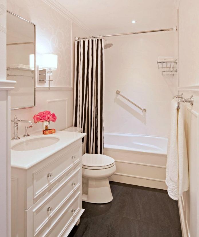 Main courante dans la salle de bain