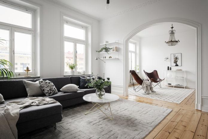 arc à l'intérieur du salon dans le style scandinave