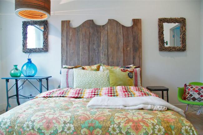 Image romantique d'une petite chambre d'adolescent