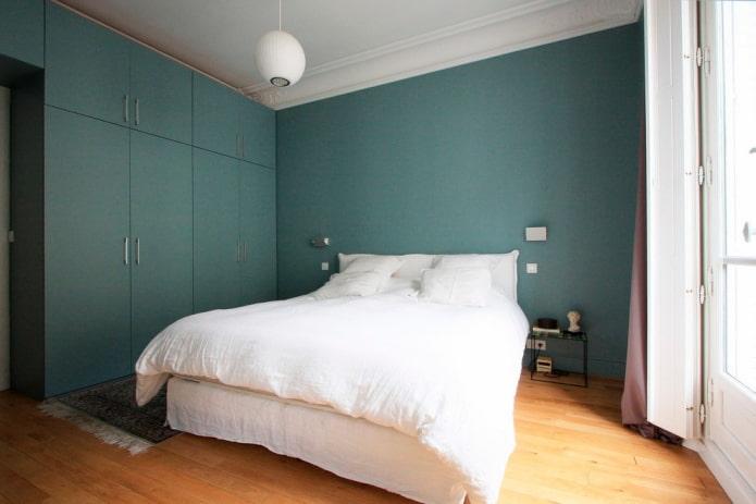 chambre aux couleurs turquoises