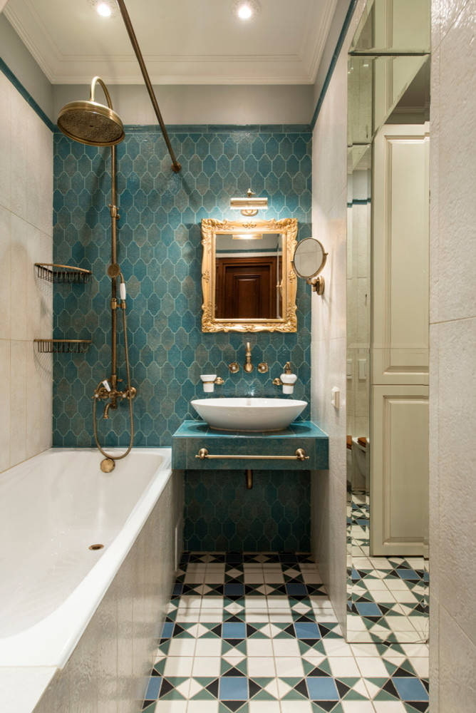Salle de bain classique bleue
