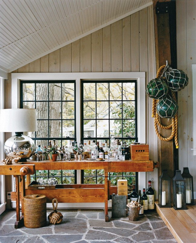 Couleur chêne blanchi.  Matériaux de finition qui imitent la texture du chêne blanchi naturel - un moyen économique de décorer une pièce