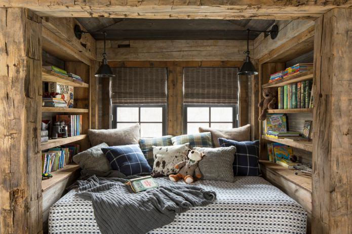 chambre mansardée confortable de style chalet