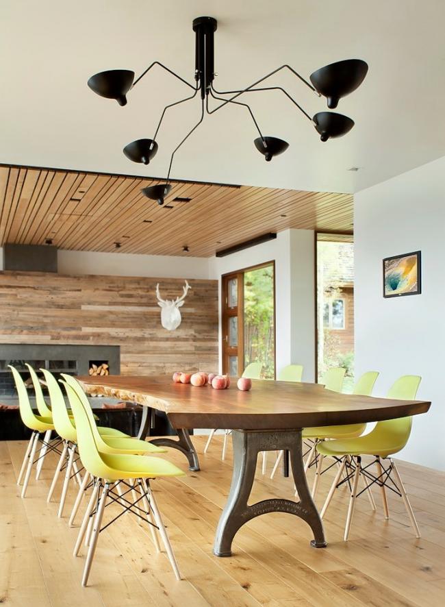 Grande table à manger en fer forgé avec plateau en bois