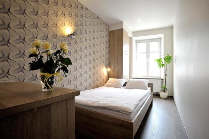 exemple d'agencement des meubles dans une chambre rectangulaire
