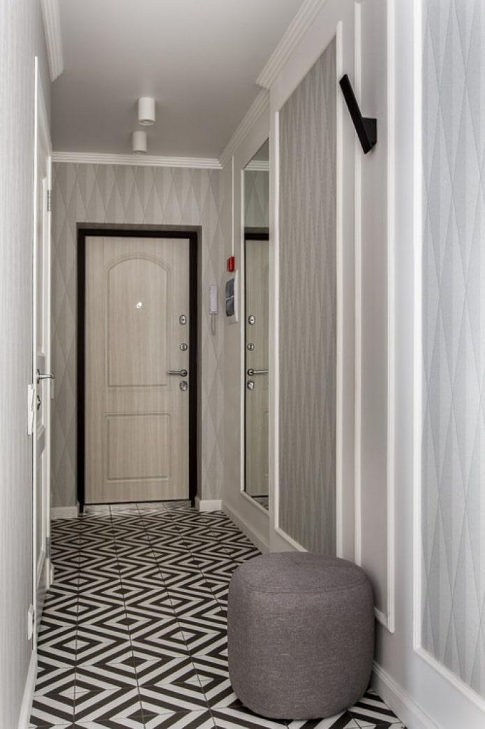 long couloir étroit