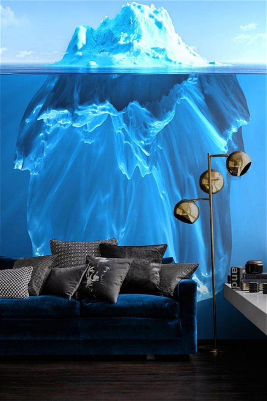 Iceberg bleu rafraîchissant sur toute la hauteur