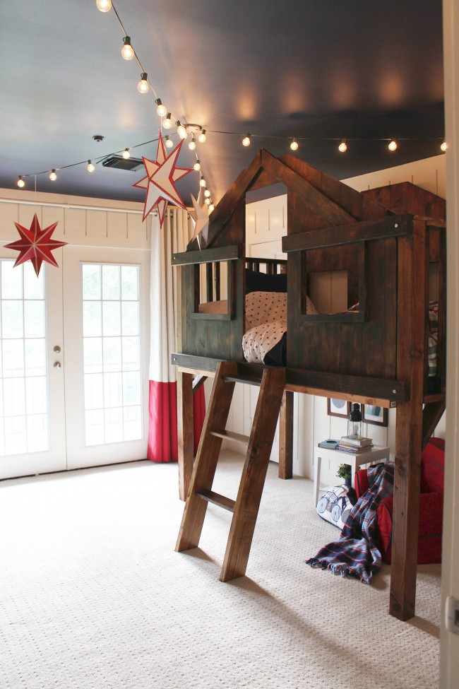 Un lit mezzanine peut être un élément de jeu intéressant.