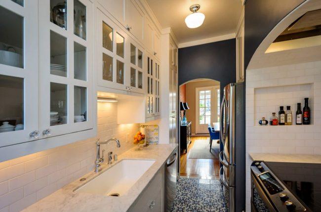 La partie problématique du réaménagement de la cuisine est l'équipement de plomberie.