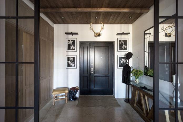 portes d'entrée noires à l'intérieur