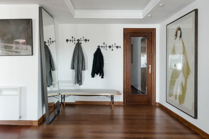 toiles d'entrée avec un miroir à l'intérieur
