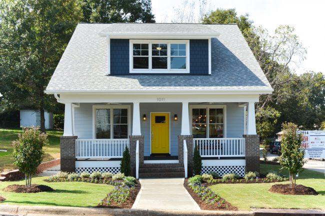 Petite et très jolie maison de couleur bleue