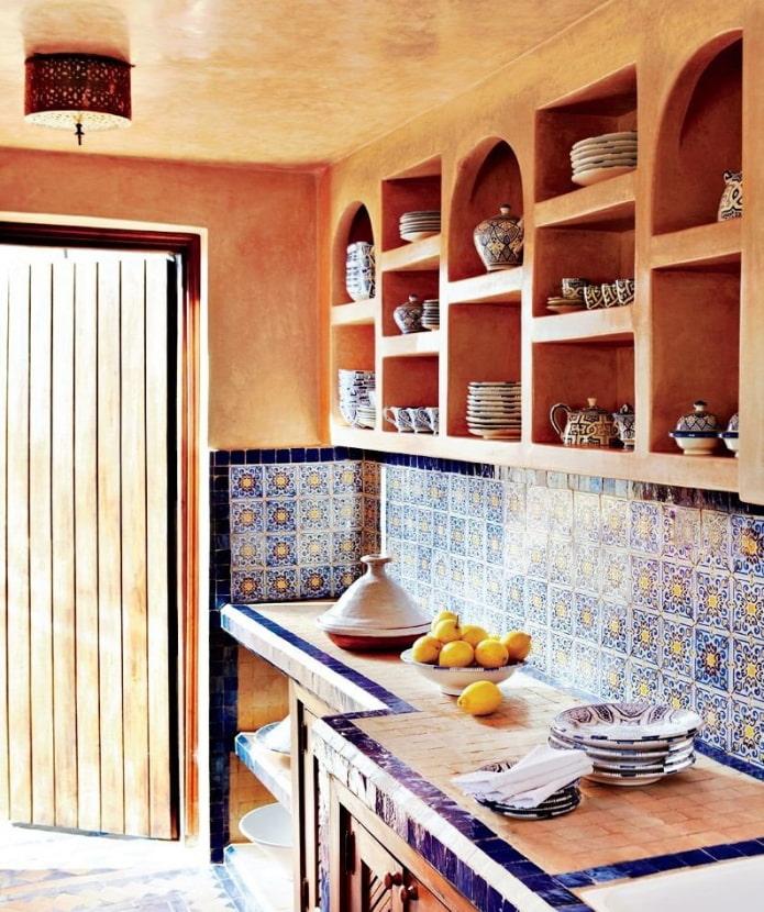 niches intégrées dans la cuisine