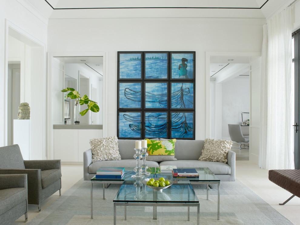 Peinture modulaire abstraite à l'intérieur du salon