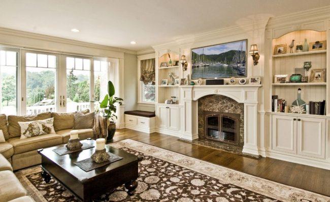 Les tapis en laine ont l'air chers et luxueux dans un intérieur classique