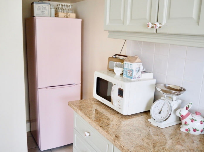peindre le réfrigérateur