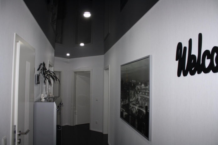 structure de plafond tendu en noir