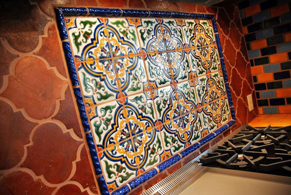 Ornement méditerranéen traditionnel sur fond de carreaux de terre cuite