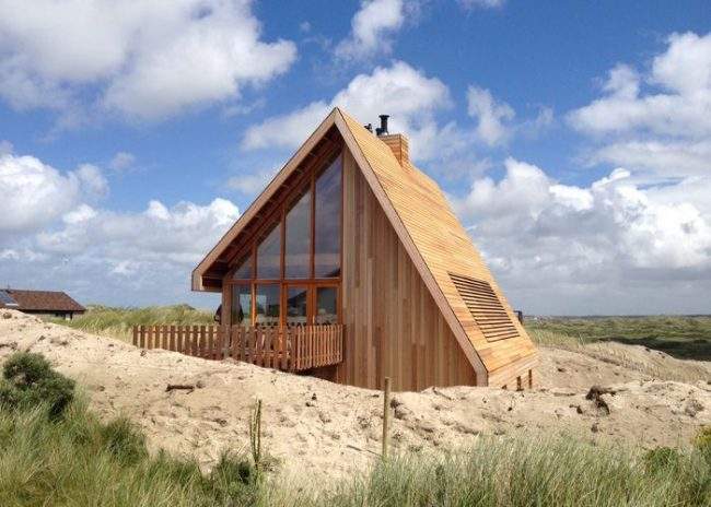 Grâce au toit en forme de A, une telle maison est tout simplement idéale pour un climat humide.