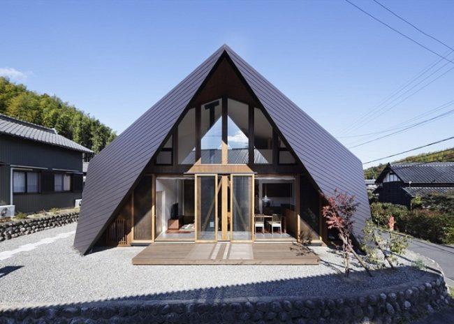 Maison en origami triangulaire au Japon