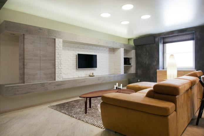 TV dans une niche à l'intérieur du salon