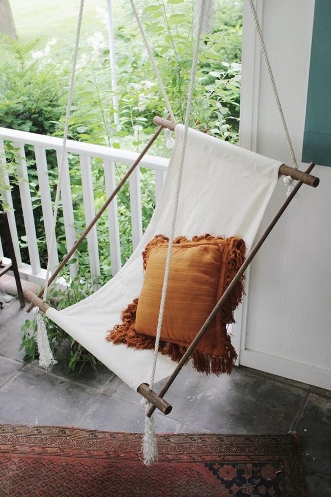 Les hamacs et les chaises suspendues à faire soi-même sont beaucoup plus faciles à fabriquer dans un chalet d'été.