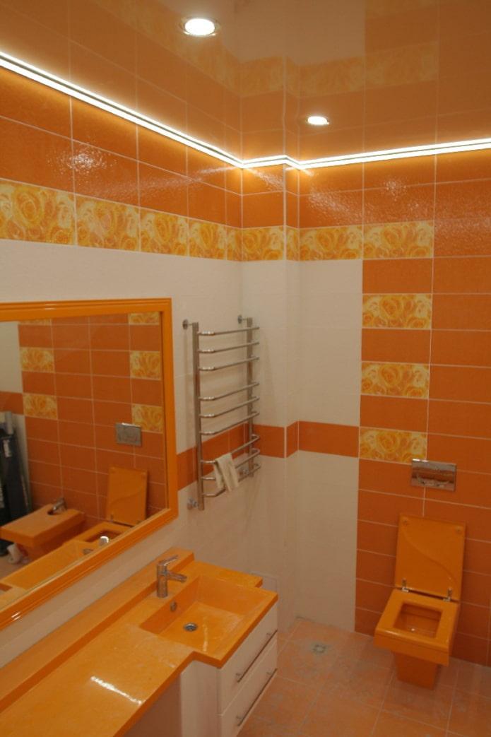 tissu extensible dans la salle de bain