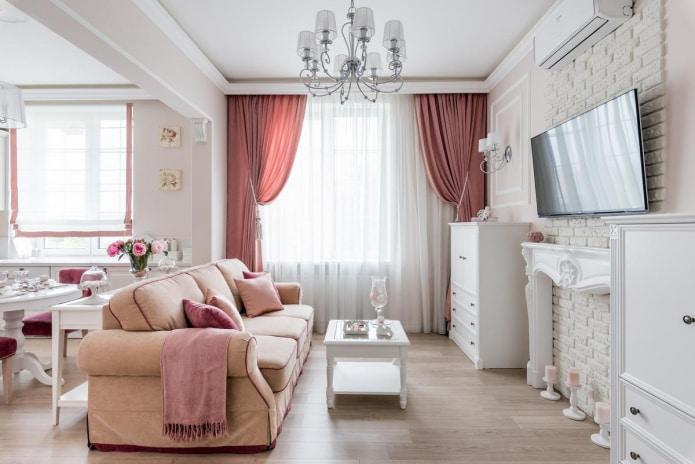 rideaux roses dans le salon